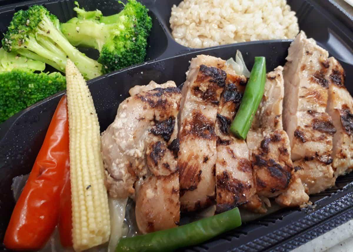 筋肉食堂deli 皮なし鶏もも肉塩麴焼き